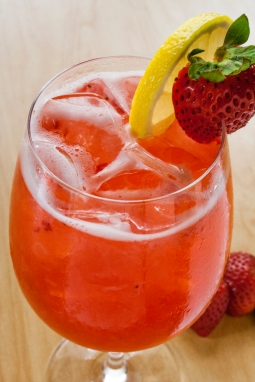 Sparkling Strawberry Sangria 1